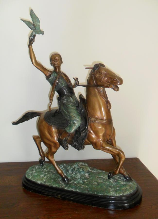 Statuette of the mounted Arab falconer - large image