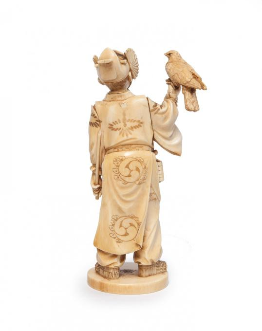 Japanese ivory statue of falconer by unknown artist of 19th century 2