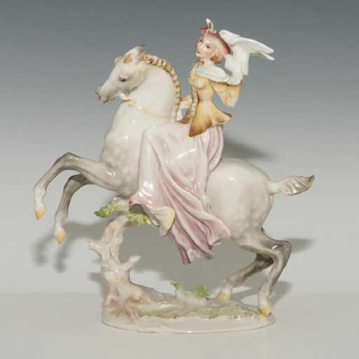 HUTSCHENREUTHER PORCELAIN GROUP FIGURINE LADY FALCONER