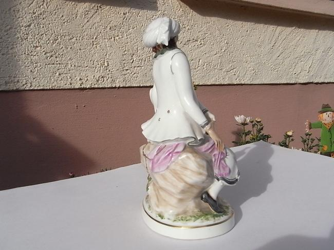 Persian falconer - porcelain figurine by Richard Förster made in 1930