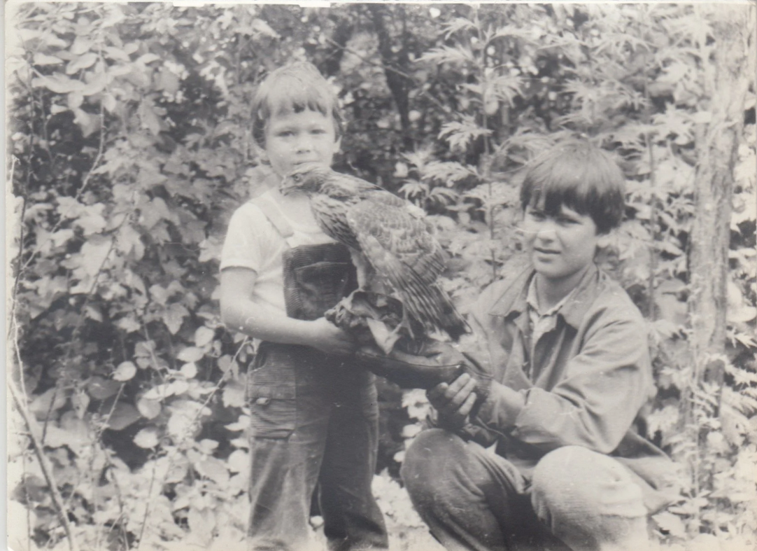 Young falconers in Ukraine in 1991